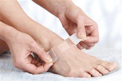 伤口恢复期的瘢痕应谨慎处理